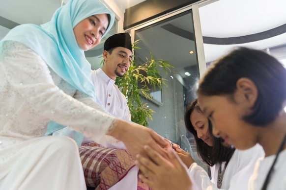 Sisters seeking forgiveness from parents